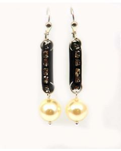 Kleshna Raphaelite Cream Pearl Earrings With Crystals